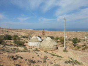 Yurts en het Issyk Kul meer in Kirgizië